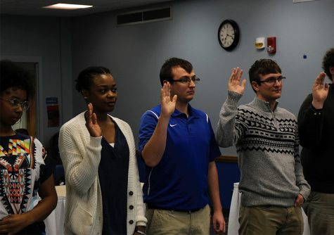 New members for Student Senate are sworn in Wednesday night at the meeting in the Martin Luther King Jr. University Union.