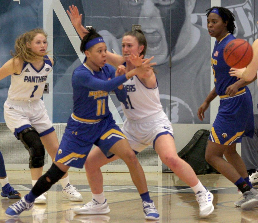Morehead+State%E2%80%99s+Miranda+Crockett%2C+the+OVC%E2%80%99s+second+leading+scorer+%2817.7+ppg%29+throws+a+pass+in+her+team%E2%80%99s+win+over+Eastern+on+Feb.+2.+Morehead+State+%2811-5%29+is+in+a+three-way+tie+for+second+place+in+the+conference.