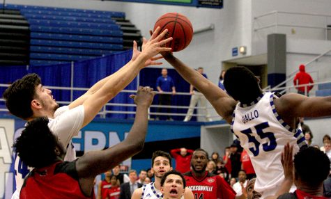 Jacksonville State downs men's basketball team 89-84 in double overtime