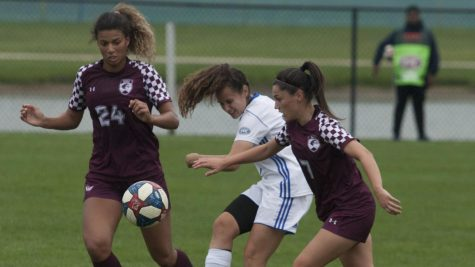 Women's soccer on fringes of playoff picture