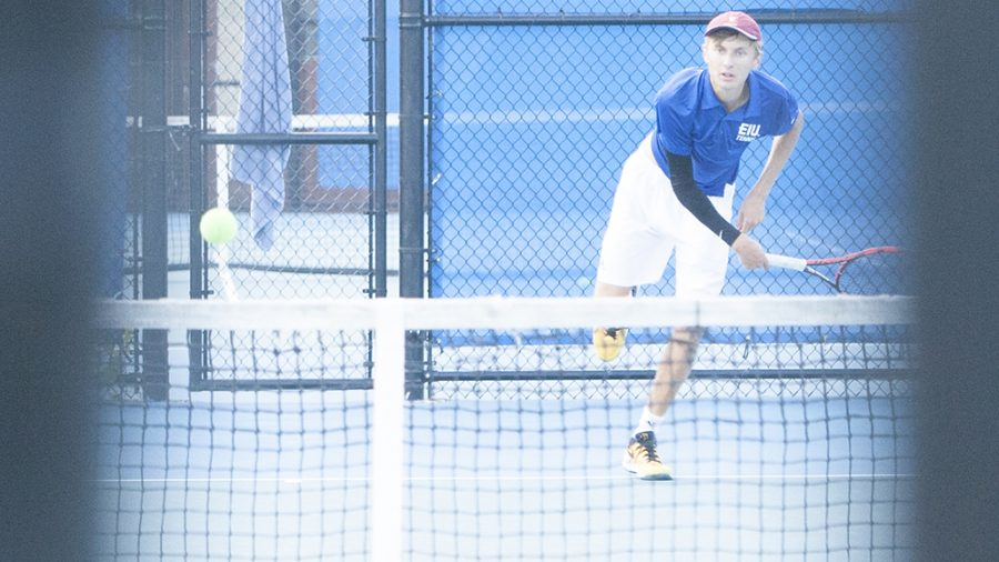 Dillan+Schorfheide+%7C+The+Daily+Eastern+News%0AMax+Pilipovic-Kljajic+nails+a+serve+to+his+opponent+and+completes+his+follow-through.+Pilipovic-Kljajic+competed+in+the+Eastern+Illinois+Fall+Invite+Sept.+20+and+21+at+the+Darling+Courts.