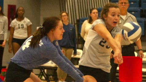 Eastern volleyball beats Chicago State in 5 sets