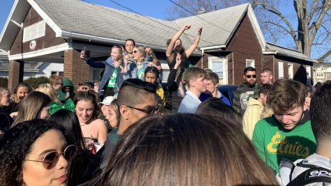 Students take to Charleston for annual Unofficial celebration