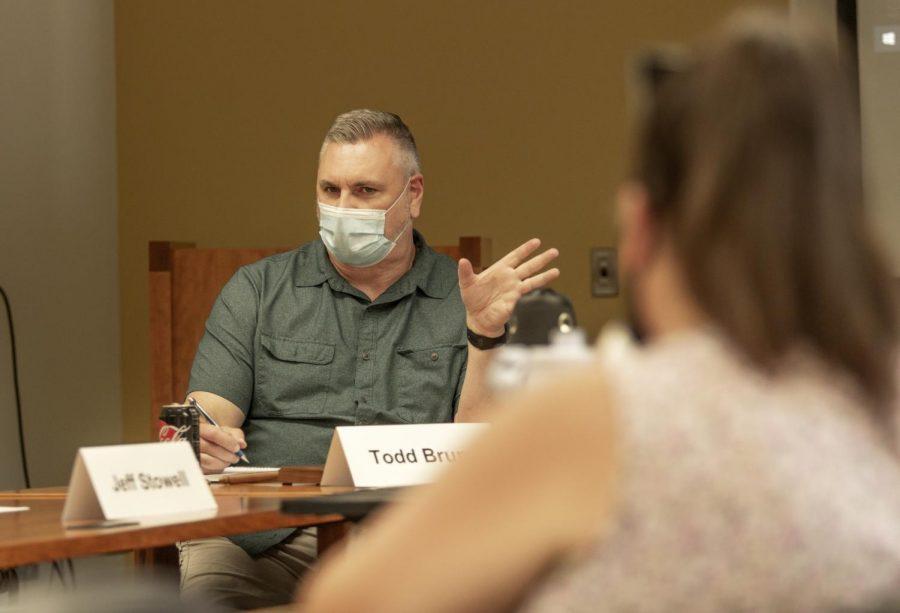 Faculty Senate talks new technology