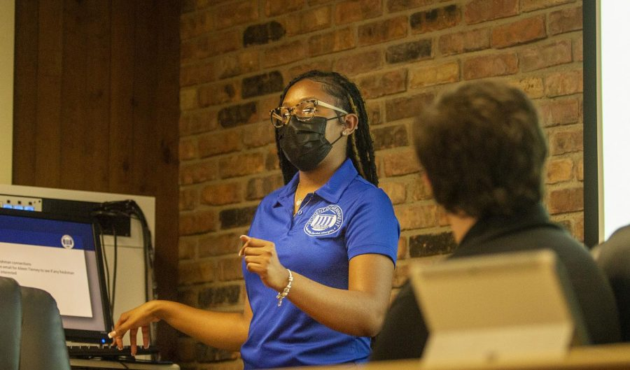 Student Government President Jacqueline Williams gives her Executive Report for the Sept. 23 Student Government meeting.