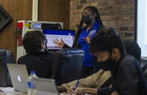 Student Body President, Jacqueline Williams gives her Executive Report during the Wednesday Student Government meeting.
